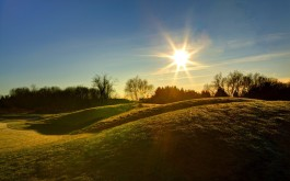 hills_green_summer_light_sun_midday_shadows_sky-1050870.jpg!d
